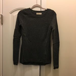 Gray Abercrombie & Fitch sweater size XS